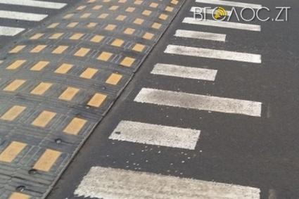 """Містяни просять на всіх перехрестях встановити """"лежачі поліцейські"""", а виготовляти їх у Житомирі"""