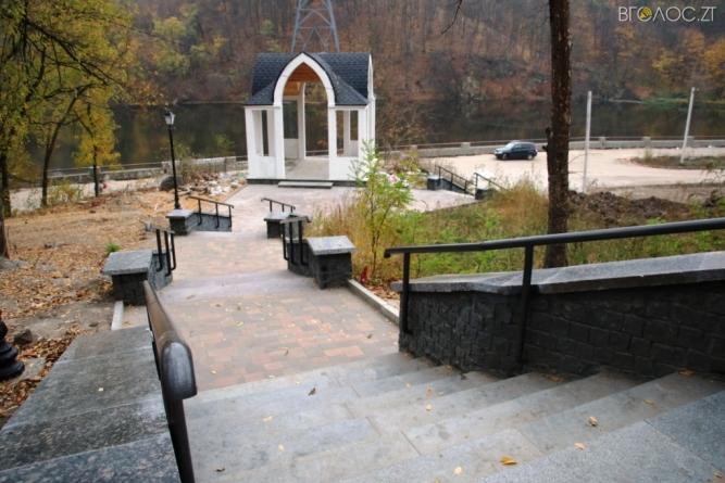 У Житомирі триває перша черга реконструкції набережної річки Тетерів