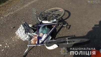 Рейсовий автобус збив 78-річного велосипедиста. Дідусь помер у реанімації