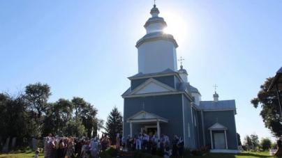 Через конфлікт між вірянами у Житомирському районі закрили церкву. Розбиратиметься суд