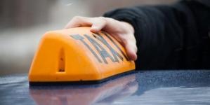 У Бердичеві пасажир намагався задушити таксиста шнурівкою з черевиків