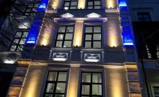 """Фасад музичної школи на Михайлівській """"підсвітили"""" на майже 400 тисяч"""