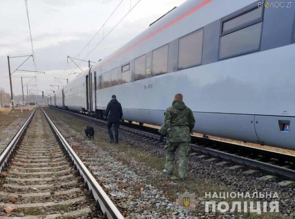 Під Коростенем з поїзда евакуювали пасажирів. Правоохоронці шукали вибухівку