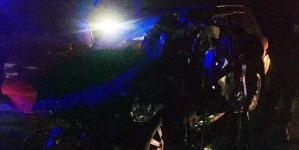Під Житомиром Lexus влетів у вантажівку, яка розверталася. Постраждали 3 людей