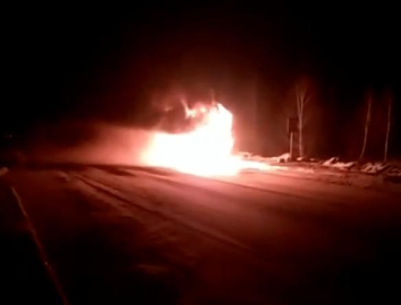 На Житомирщині згорів рейсовий автобус у якому їхали 13 пасажирів