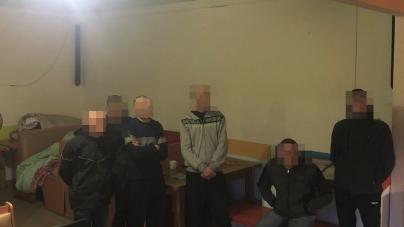 Рабство на Житомирщині: групу осіб підозрюють у торгівлі людьми та їх примусовому утриманні