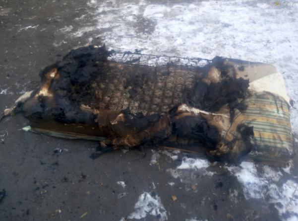 Пожежа на Житомирщині: старший брат знайшов у будинку менших братиків та сестричку без свідомості