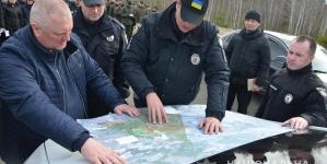 Поліцейські, кінологи, нацгвардійці, рятувальники продовжують шукати 16-річного Дмитра Степарука, який пропав тиждень тому