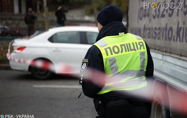 У Малині на вимогу розблокувати виїзд із пожежної частини водій іномарки наїхав на поліцейського