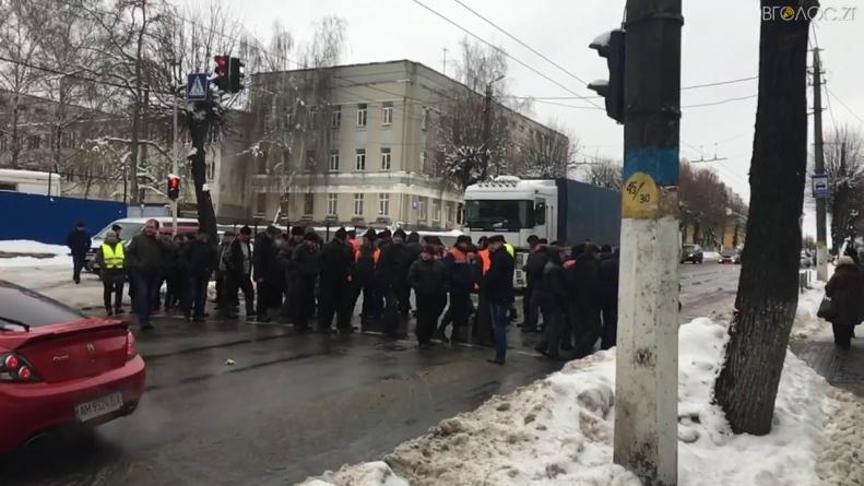 Облавтодор змусили повернути працівникам 9,6 млн заборгованої зарплати