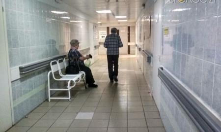 Житомирщина: 5 пацієнтів із COVID-19 на самоізоляції, а 4  – в лікарні