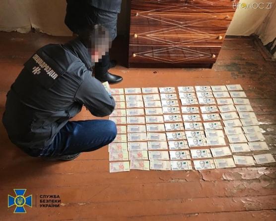 СБУ викрила групу діючих і колишніх військовослужбовців, які організували схему вимагання грошей