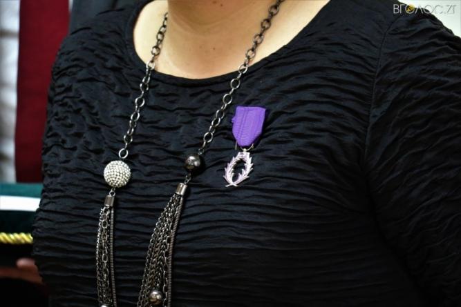 Житомирській вчительці посол Франції вручив Орден Академічних Пальм за заслуги всфері освіти і науки
