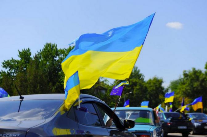 Підприємці Житомира кличуть своїх колег на автопробіг у захисних масках