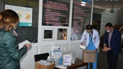 Любов Цимбалюк долучилася до допомоги лікарні