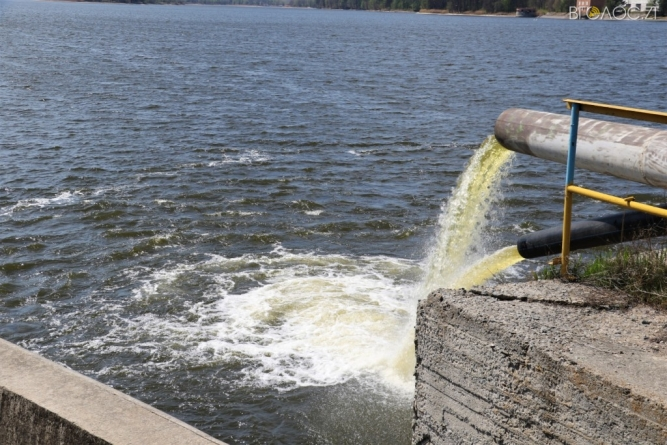 На «Житомирводоканалі» кажуть, що у міста «можуть бути проблеми з водопостачанням»