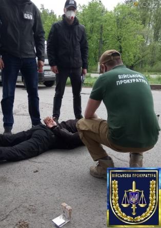 """У Житомирі """"попався"""" з хабарем начальник одного із секторів реагування патрульної поліції"""