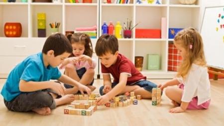 Житомирян просять вести дітей в садочки лише за критичної необхідності