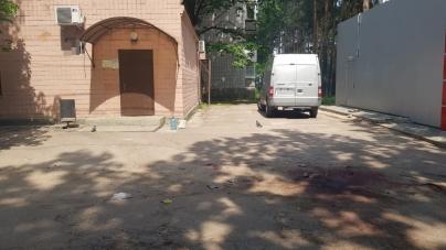 У Іршанську колишній зек вбив чоловіка та підрізав ще 8 осіб. Правоохоронці оголосили план «Перехоплення»