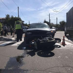 Зранку на перехресті Чехова і Новопічної насмерть розбився мотоцикліст. Його пасажир у реанімації