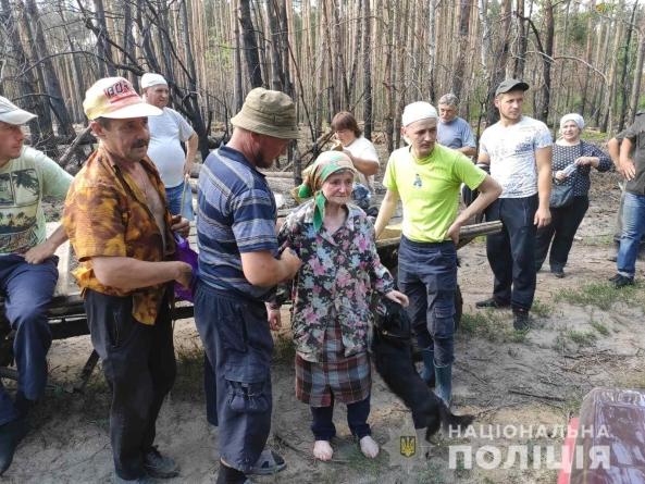 На Житомирщині знайшли 83-річну пенсіонерку, яка 2 доби блукала у лісі