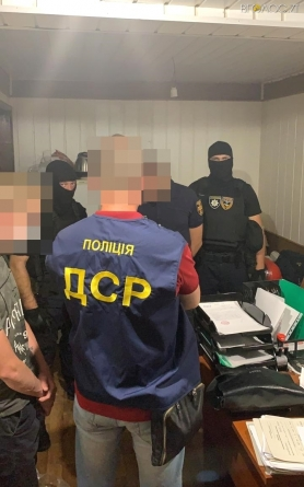 У Житомирі затримали підполковників служби цивільного захисту, які вимагали за дозвіл на приватизацію службового житла 5 000$