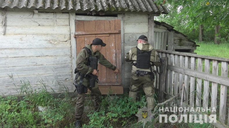 Вночі затримали чоловіка, якого підозрюють у вбивстві людини та пораненні ще вісьмох у Іршанську