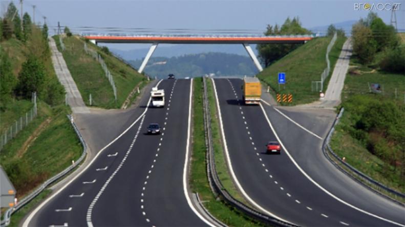 Служба автомобільних доріг області оголосила тендер на ремонт траси Київ-Чоп