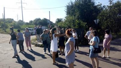 Жителі житомирського провулку, де під колесами вантажівки загинула дитина, перекрили дорогу