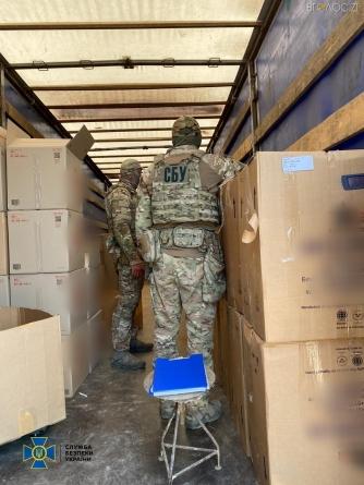 СБУ блокувала масштабну фальсифікацію та збут по всій Україні контрафактних цигарок