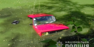 Біля Пряжева у річці знайшли автомобіль. У салоні авто знаходилося тіло водія