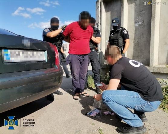 У Житомирі СБУ затримала учасника міжнародної терористичної організації, якого шукав Інтерпол