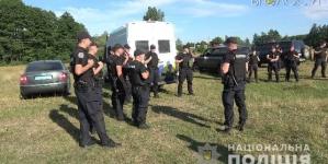 На Житомирщині поліція намагається не допустити протистояння на спірних полях аграріїв
