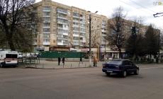 У підїзді на Бердичівській знайшли мертвого чоловіка