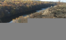 """Прокуратура вимагає, щоб """"садівники"""" повернули ділянки на березі річки, які отримали від РДА 9 років тому"""