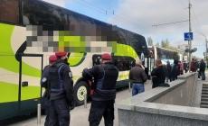 Затримали автобуси з жителями Житомирщини, яких привезли до виборчих дільниць Києва
