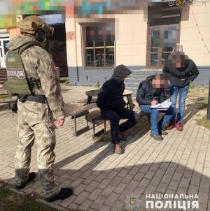 """Погрожували вбити: на Житомирщині """"банда"""" вимагала у підприємця 90 000 грн за неіснуючий борг"""