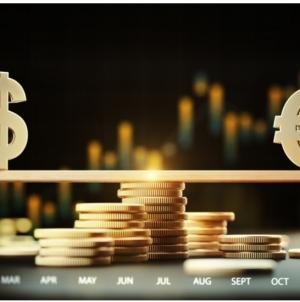 Від чого залежать курси валют?