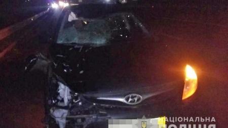 У Новоград-Волинському районі під колесами автівки загинув пішохід