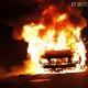 На Київській повністю згорів припаркований автомобіль. Вогонь пошкодив ще один, який стояв поруч