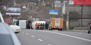 На Корбутівці у Житомирі перекинулася цистерна з рідким газом (ФОТО, ВІДЕО)
