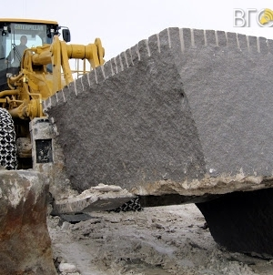 У Коростишівському районі депутат райради незаконно видобув граніту на 26,6 млн грн
