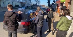 """У Новограді викрили групу шахраїв, які """"продавали"""" неіснуючі автомобілі"""