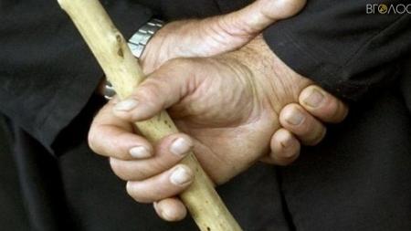 У Житомирському районі затримали чоловіка, який насмерть забив палицею односельчанина