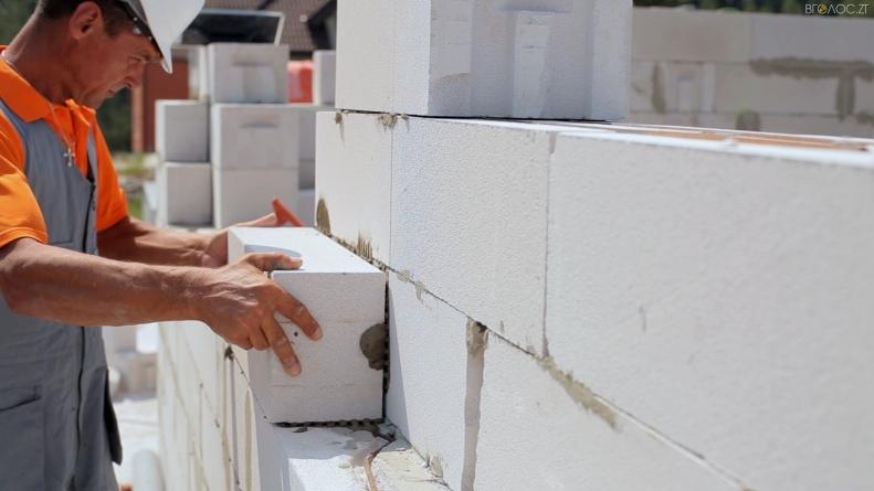 Скільки коштує робота з кладки стін з газобетону?